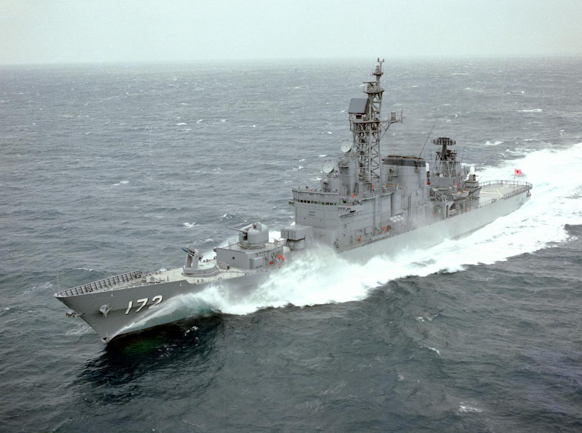 イージス艦と通常護衛艦、どっちが強いのか? あと現代の艦載砲について